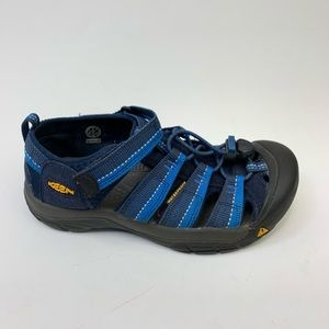 Keen boys waterproof sandals Size 2 Blue/black